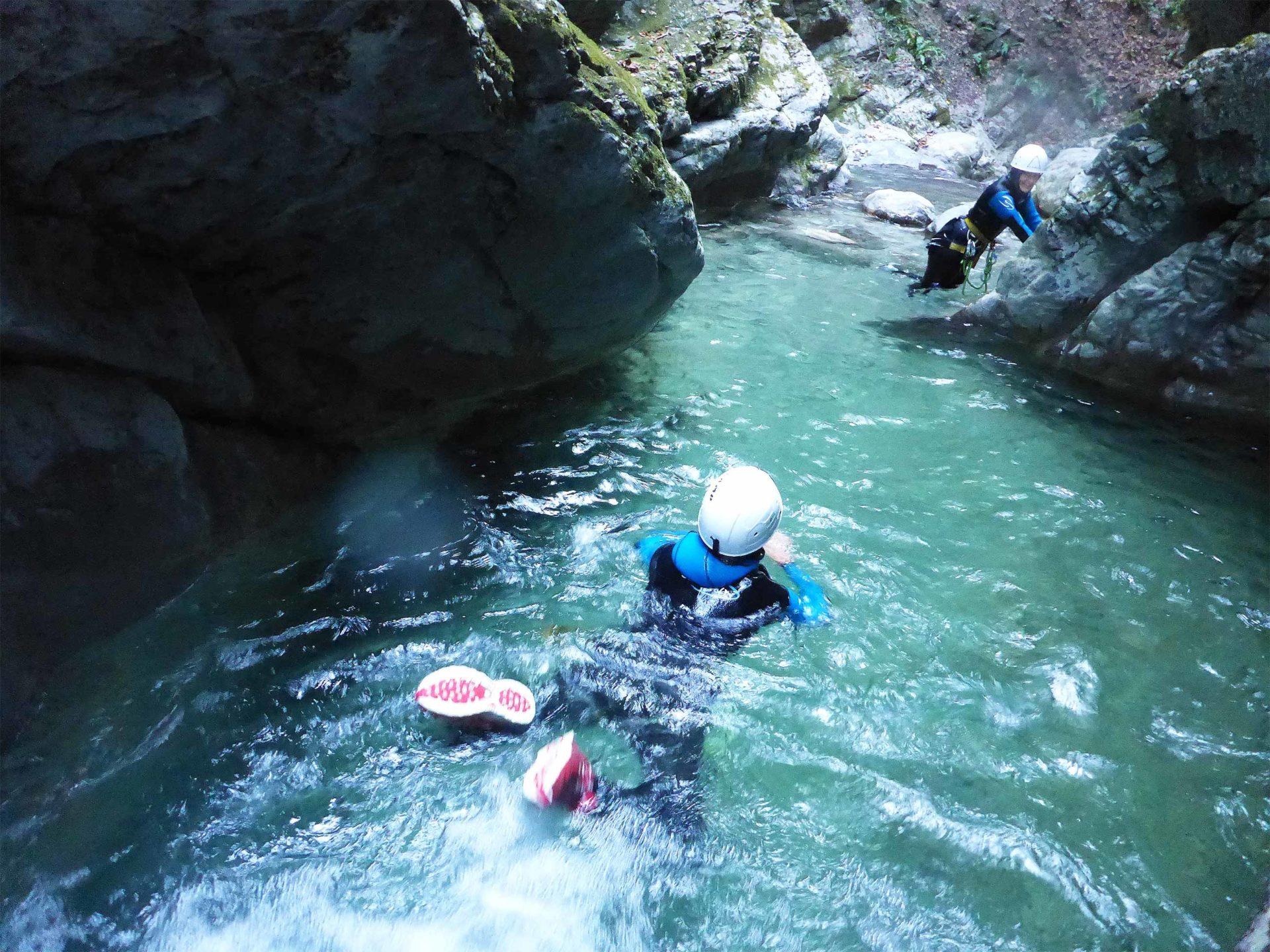 Vasque canyoning pont du diable nage