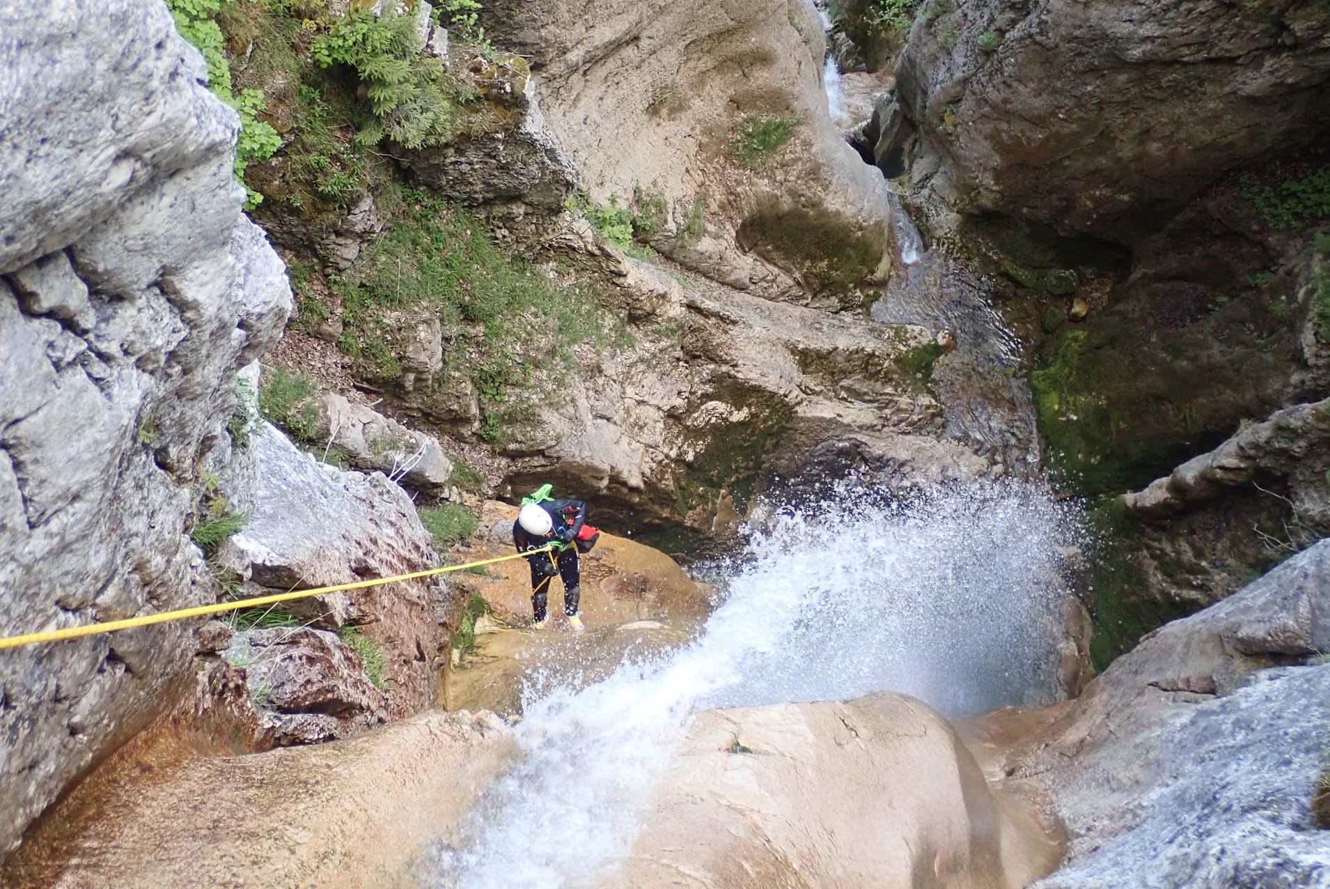 Canyoning doussard activité aventure