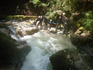 groupe team building canyoning