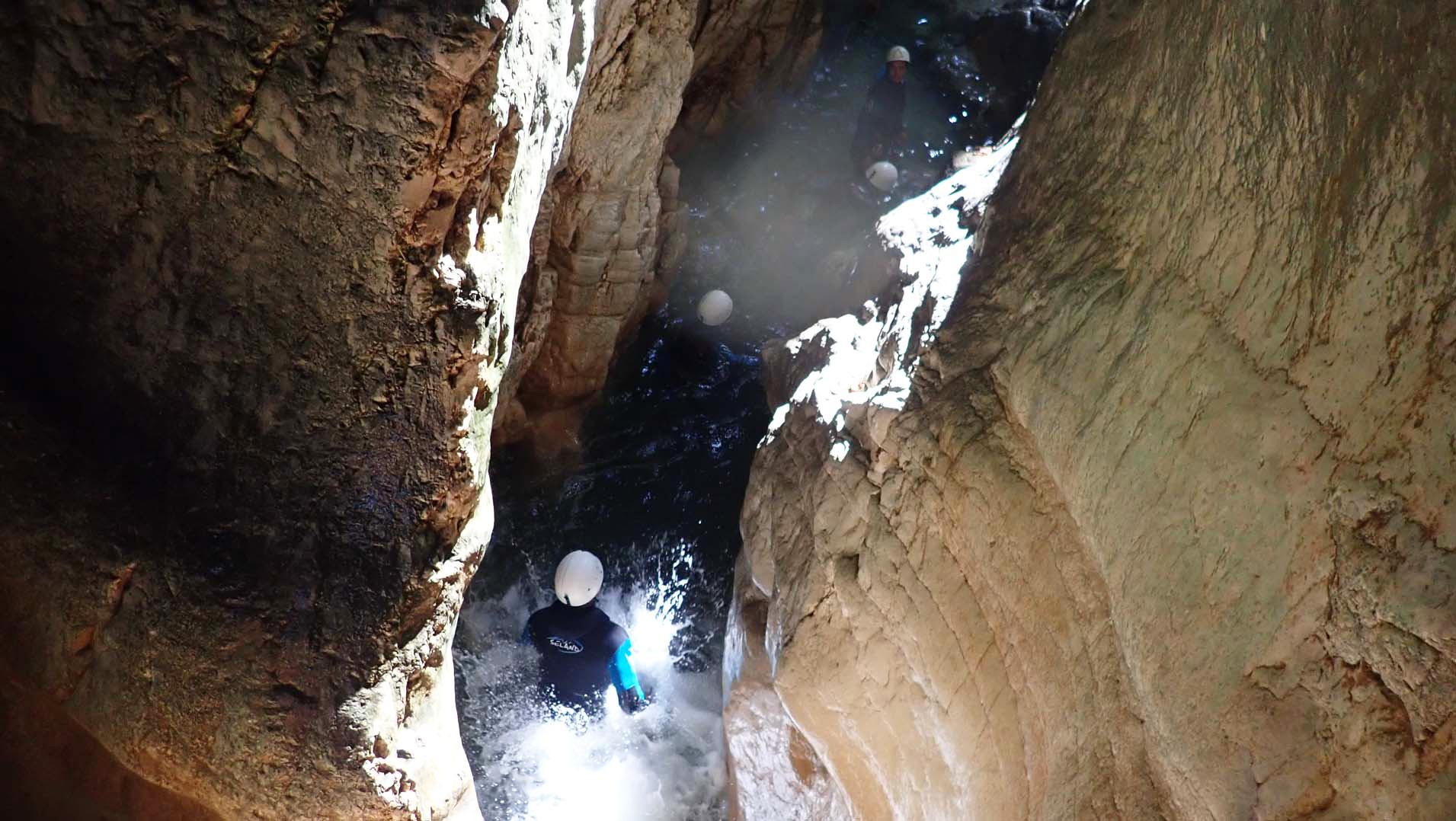 activité ludique et sportive canyoning